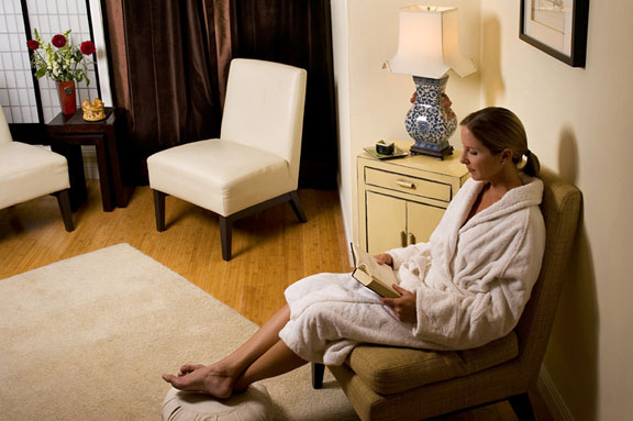 Tea room at ZEN Sanctuary San Diego's #1 Wellness Center for Massage Center